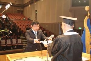 平成28年度松山短期大学卒業式を...