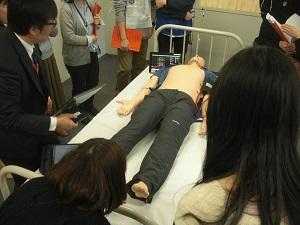 患者シミュレータを用いた症例検討